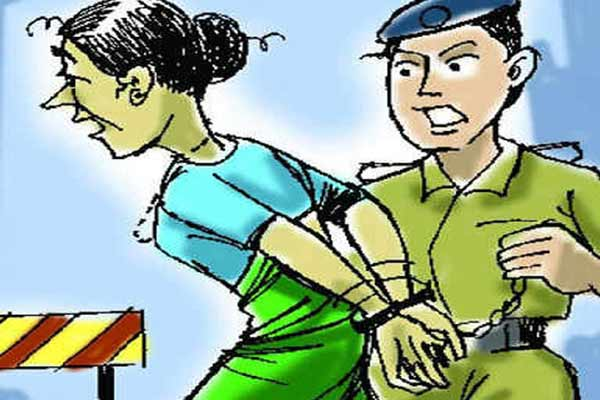 Incision made in purse in e-rickshaw in Jaipur, threats to kill women if caught - Jaipur News in Hindi