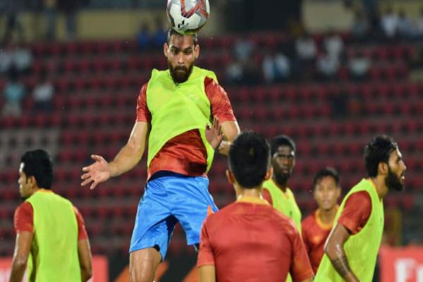 भारतीय फुटबाल सही दिशा में आगे बढ़ रहा है : आदिल खान