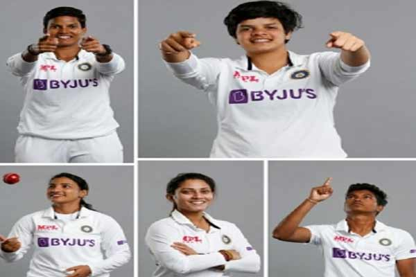 Indian women team fields 5 debutants as England elect to bat - Cricket News in Hindi