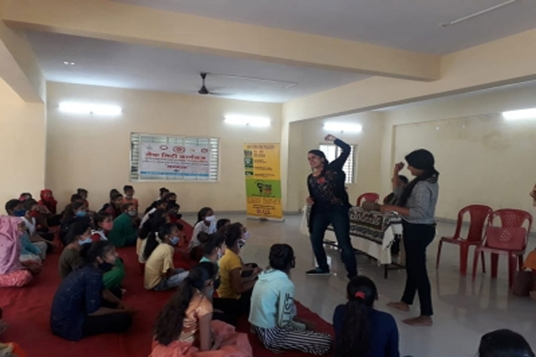 Self-defense training to girls and women under Safe City in Indore - Indore News in Hindi