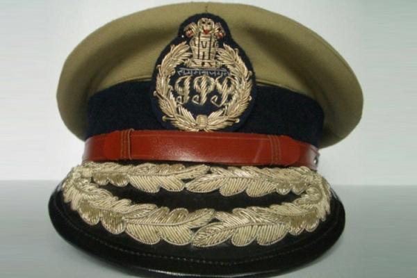 Karnataka transfers 12 IPS officers - Bengaluru News in Hindi
