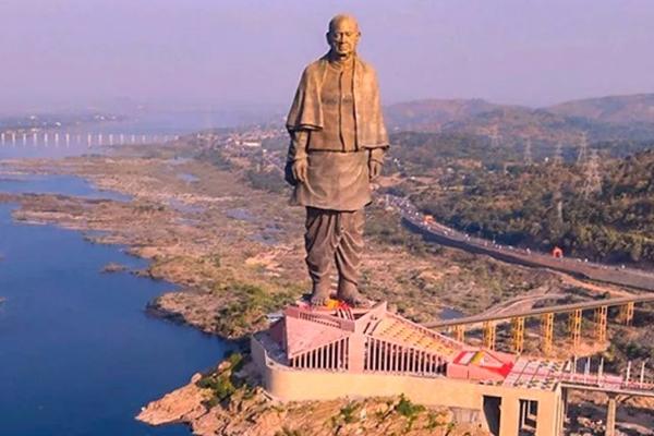 Preparing to celebrate Iron Man Patel birth anniversary in Noida as Integrity Day - Noida News in Hindi