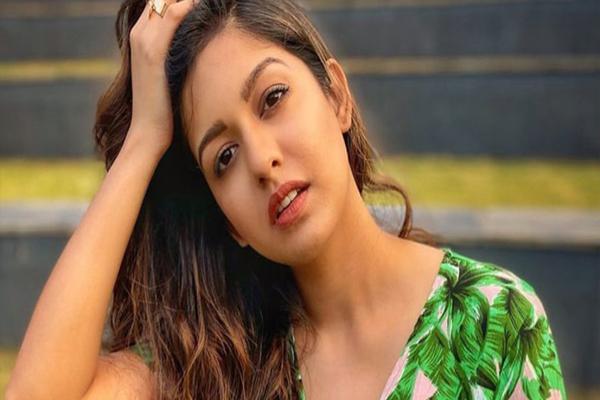 Ishita Dutta talks about her love for gardening - Bollywood News in Hindi