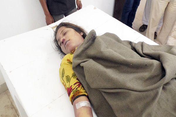 Teacher condemns, poison eaten by teenager - Bhilwara News in Hindi