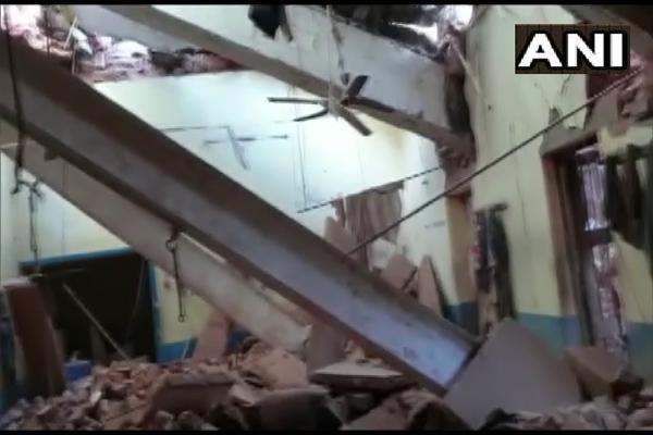 Wall collapses in 150-year-old jail in Bhind, Madhya Pradesh, injuring 21 inmates - Bhopal News in Hindi