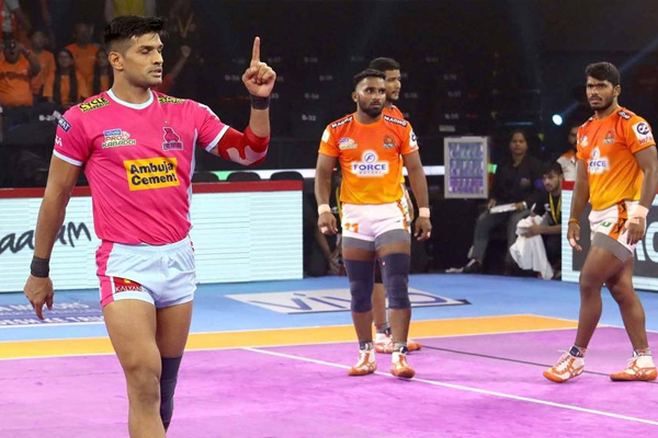 PKL 7: Hooda stars as Panthers beat Paltan 33-25 - Sports News in Hindi