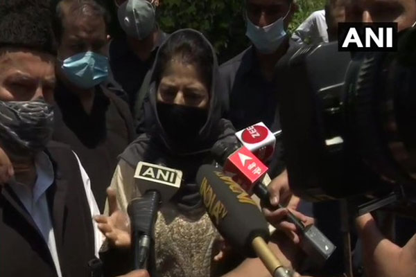 If peace is to be brought in J&K, then government should also talk to Pakistan: Mehbooba Mufti - News in Hindi
