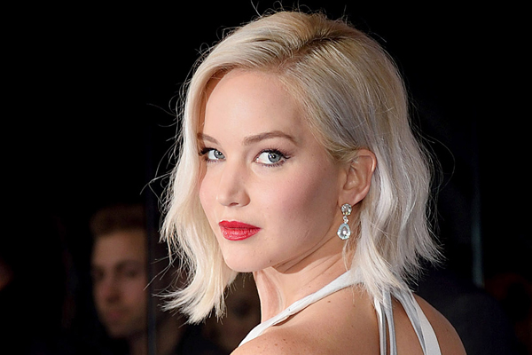 Jennifer Lawrence injured on Do not Look Up set - Hollywood News in Hindi