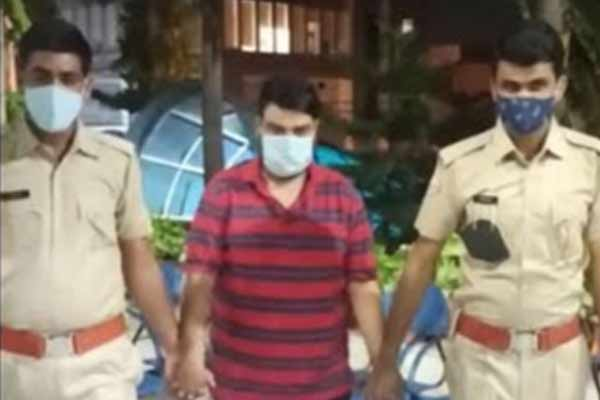 Jewelery worth Rs 2 crore stolen in a jewelery showroom in Jaipur, stock manager arrested - Jaipur News in Hindi