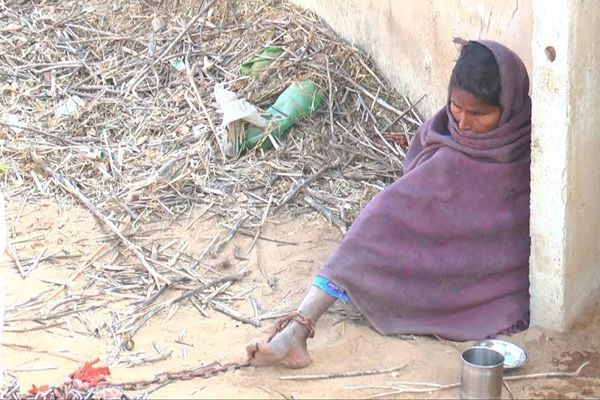 Jivanis life is bound up in fetters from 10-year in Jhunjhunu - jhunjhunu News in Hindi