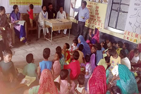 jhunjhunu news : Open House Program on behalf of Child Line 1098 at Anganwadi Center Badagaon of jhunjhunu - jhunjhunu News in Hindi
