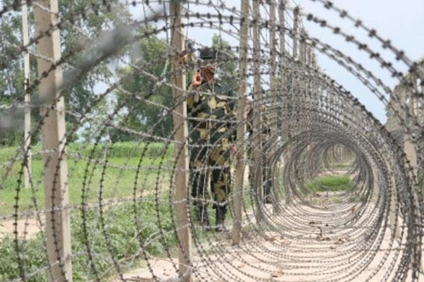 जम्मू-कश्मीर के पुंछ में एलओसी के पास बारूदी सुरंग विस्फोट में 1 जवान घायल