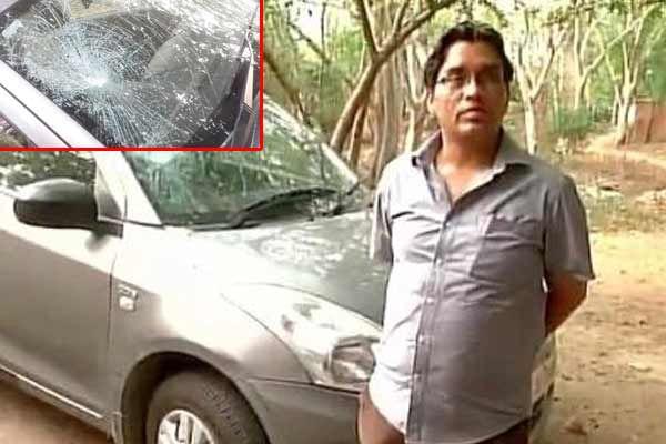 car vandalised for honouring sukma kupwara martyrs alleges jnu assistant professo - Delhi News in Hindi