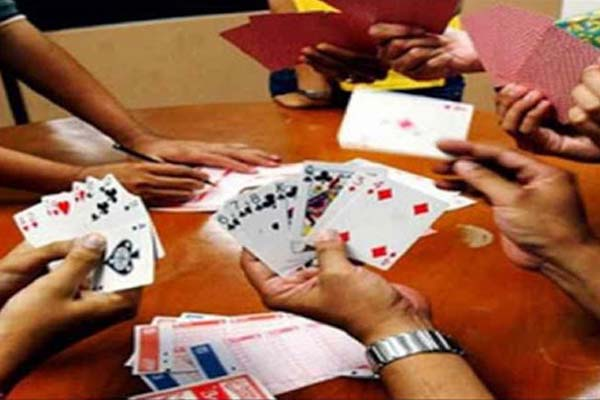 Police arrested six, including four gamblers, seized more than Rs 13,000 cash in Tonk - Tonk News in Hindi