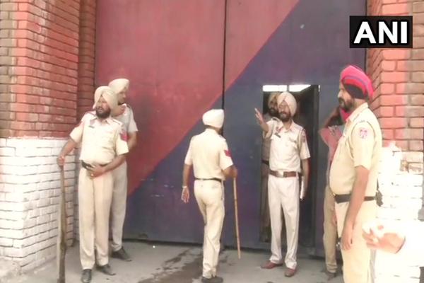 लुधियाना की जेल से कैदियाें ने किया भागने का प्रयास, पुलिस ने की फायरिंग