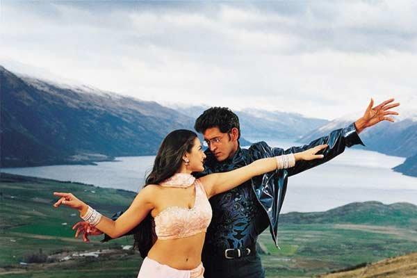 Hrithik Roshan high on love as Kaho Naa Pyaar Hai turns 21 - Bollywood News in Hindi