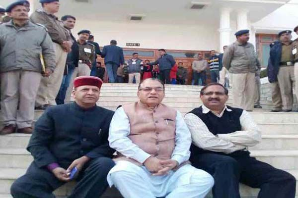 Suspended MLAs raised slogans against the government - Kangra News in Hindi