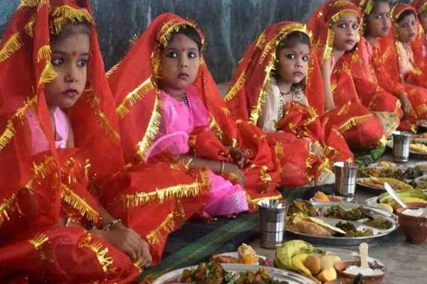 Sharadiya Navratri 2021: Why boy is worshiped with girls in Navratri worship - Jyotish Nidan in Hindi