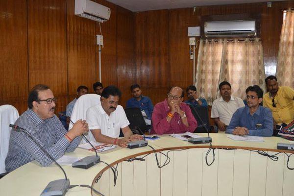 may fall on three district collectors - Karauli News in Hindi