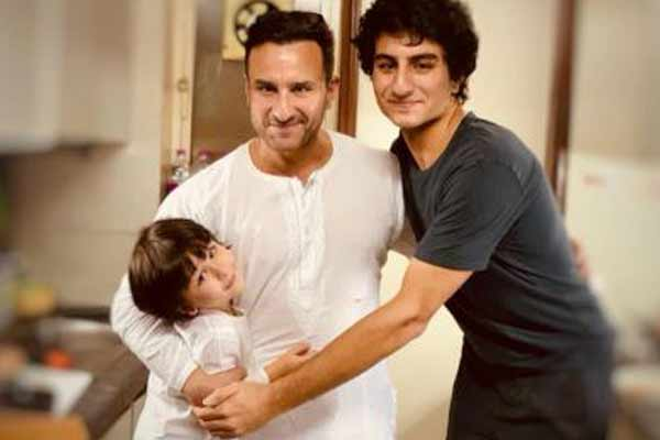 Kareena Kapoor shared a picture of her favorite boys - Bollywood News in Hindi