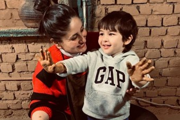 Kareena special birthday wish for coolest mom-in-law Sharmila Tagore - Bollywood News in Hindi