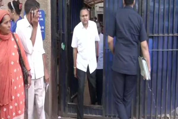 Karti Chidambaram after meeting his father P Chidambaram at Tihar jail - Delhi News in Hindi