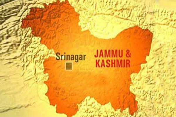 2 policemen injured in cylinder explosion in kashmir - Srinagar News in Hindi