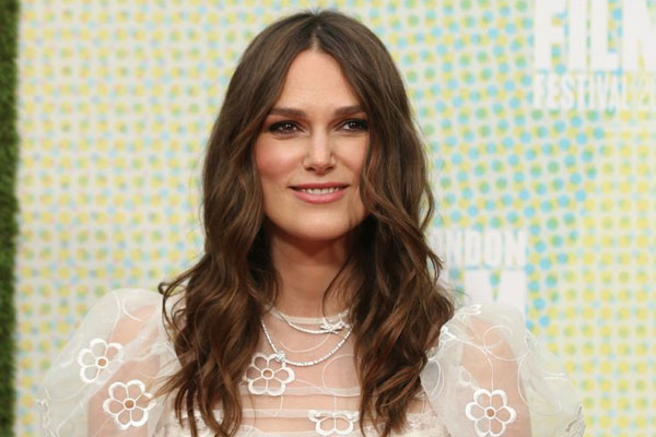 Keira Knightley: Women are told the way they look is more important - Hollywood News in Hindi