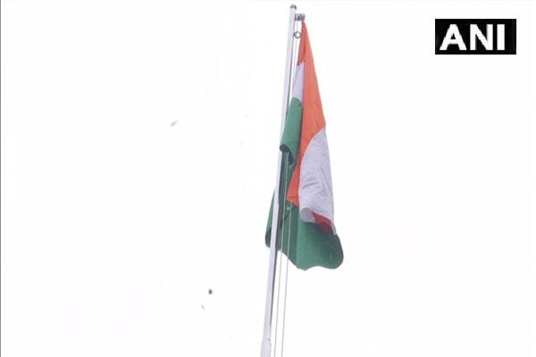 केजरीवाल ने गणतंत्र दिवस से पहले दिल्ली सचिवालय में फहराया तिरंगा, देखें तस्वीरें