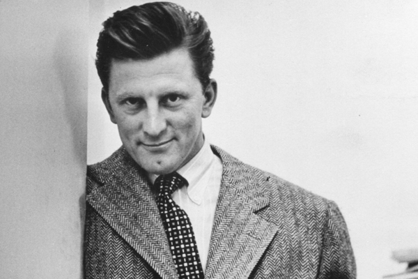 Kirk Douglas gives fortune to charity, snubs son Michael - Hollywood News in Hindi