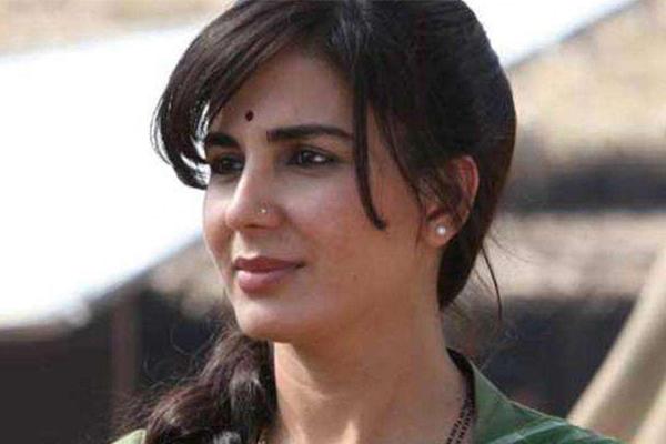 Kirti Kulhari: I have no fear of facing camera without make-up - Bollywood News in Hindi