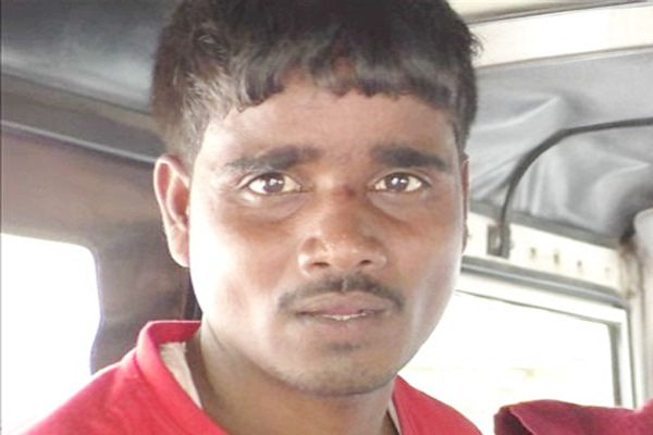 8 kg 400 grams caught a smuggler with ganja - Kota News in Hindi