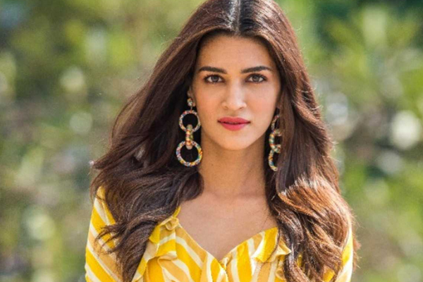 Kriti Sanon shares tips on when to take perfect picture - Bollywood News in Hindi