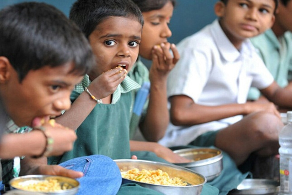 Thousands of children and women are getting nutritious food - Kullu News in Hindi