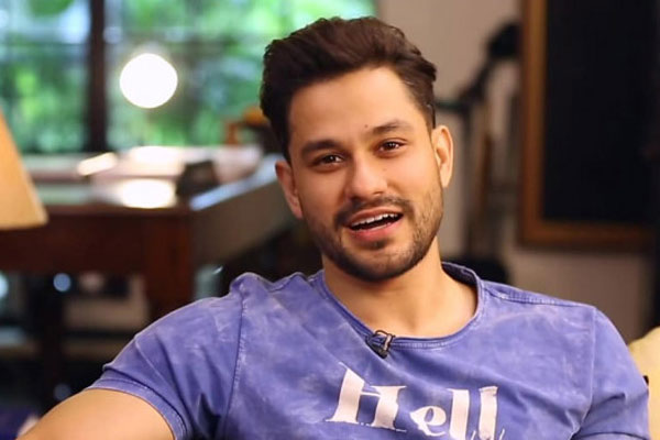 Kunal Kemmu: All packed up but nowhere to go this weekend - Bollywood News in Hindi