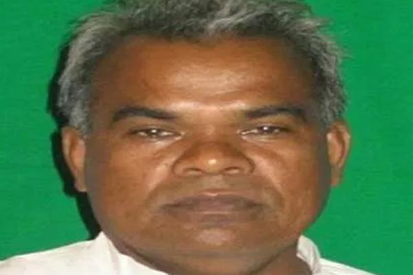 उप्र : बसपा के पूर्व सांसद लालमणि प्रसाद ने पार्टी छोड़ी