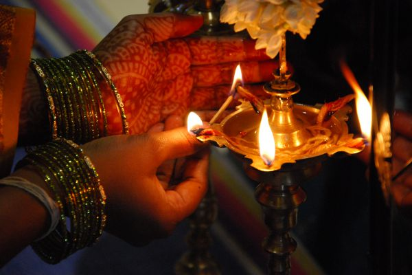 Before lighting the lamp learn its secrets you will be amazed - Puja Path in Hindi