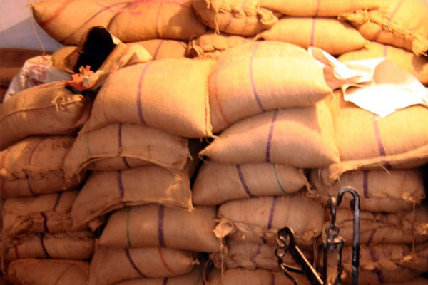 Ration scam in Corona period in Indore, case filed on 31 including officer and Rasuka on 3 people - Indore News in Hindi