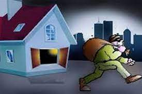 जयपुर में सूने मकान के तोड़े ताले, लाखों रुपए के गहने नकदी चोरी
