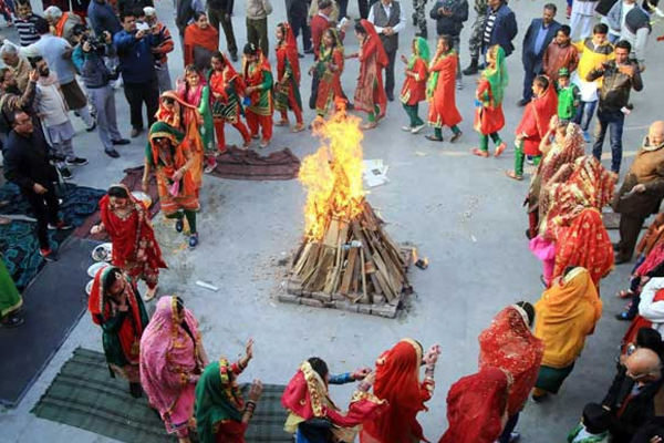 Know, when, why and how the festival of Lohri is celebrated - Jyotish Nidan in Hindi