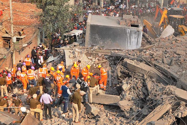 Ludhiana factory collapse: 8 killed, 20 trapped; rescue ops still on - Ludhiana News in Hindi