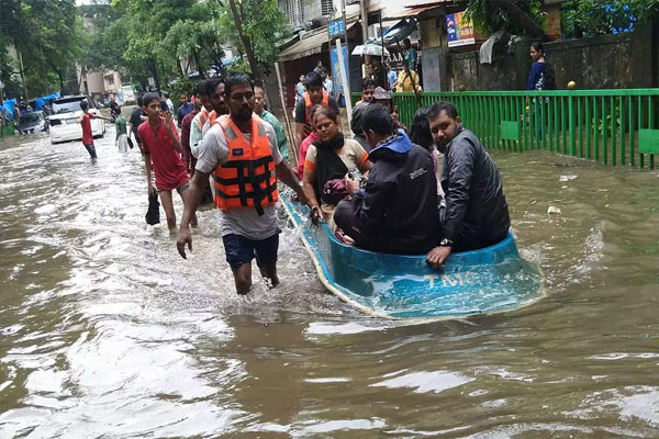 Maharashtra floods affected 89 thousand people homeless, 50 people died so far - Mumbai News in Hindi