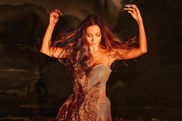 Malaika Arora dripping gold - Bollywood News in Hindi