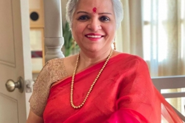Mallika Dua mother succumbs to Covid - Bollywood News in Hindi