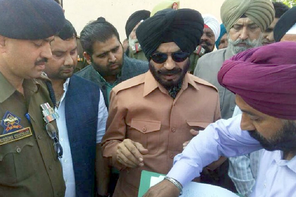 Maninderjeet Singh Bitta Calls For Vote In Parliament On Article 370 And 35a To Identify Traitors - India News in Hindi