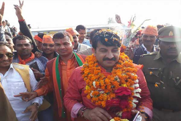 manoj tiwari attacked on Rahul Gandhi in amehthi - Amethi News in Hindi