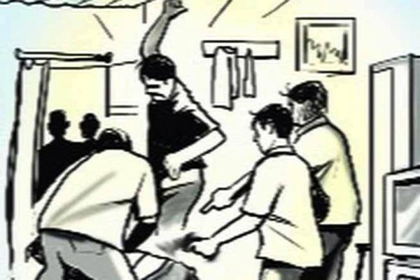 कौशांबी में दुर्गा प्रतिमा विसर्जन और ताजिया जुलूस के दौरान हमला