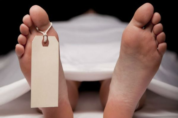 women died front of health center in gorakhpur - Gorakhpur News in Hindi