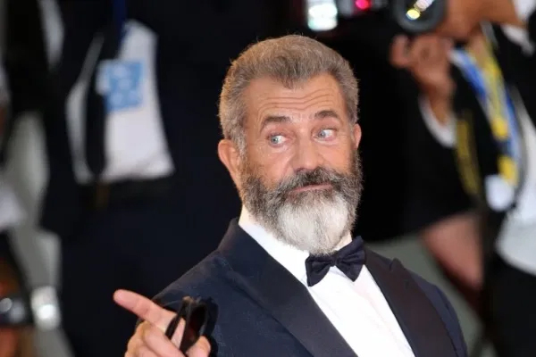 Mel Gibson fell in love with absurdity of Fatman - Hollywood News in Hindi