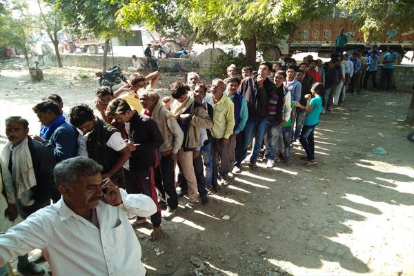 मतदान के लिए 7 दिसंबर अभी दूर, लेकिन ये कौन सी लाइन है, यहां पढ़ें और सुनें